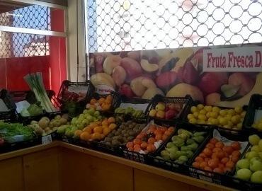 Frutas y Hortanizas frescas en nuestros despachos